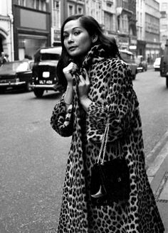 Old Hollywood Style. Love that leopard coat. Vintage New York, Vintage Fur, Vintage Hollywood, Vintage Beauty, Vintage Fashion, Hollywood Style, Hollywood Actress Photos, Hollywood Heroines, Divas