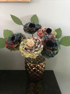 Paper flower  flower arrangement sizzix  Eileen hull Pom Poms  clover USA lion yarn yarn tissue paper paper crafts paper flowers