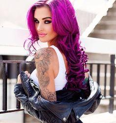 Purple Tattoo Girls, Sexy Tattoos For Girls, Inked Girls, Girl Tattoos, Tatoos, Poses Boudoir, Pin Up, Hot Tattoos, Models