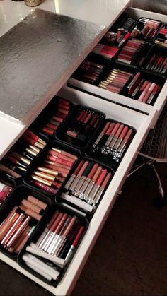 Matto Bamboo Makeup Brush Set Face Kabuki 2 Pieces - Foundation and Powder Makeup Brushes for Mineral BB Cream - Cute Makeup Guide Makeup Storage Box, Makeup Organization, Makeup Brush Set, Makeup Kit, Makeup Geek, Eye Makeup, It Cosmetics Brushes, Makeup Cosmetics, Rangement Makeup