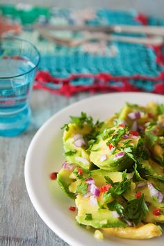 Spicy Avocado Salad by lacasasintiempo #Avocado #Salad #lacasasintiempo