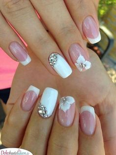 5 Unavoidable Floral Nail Art for Short Nails : Take a look! Your short nail deserves some amazing nail art design and Color. So, regarding that, we have gathered some lovely Floral Nail Art for Short Nail suggestions only for you. Bridal Nails Designs, Fall Nail Art Designs, Wedding Nails Design, Wedding Guest Nail Designs, Wedding Gel Nails, Beach Wedding Nails, Cute Nails, Pretty Nails, Bride Nails