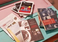 APROVECHA NUESTRA PROMOCIÓN Ahora, al comprar un libro de fotografía te regalamos un carrete de 36 exposiciones de Fujifilm.  ¡Experimenta y aprende todo sobre la fotografía analógica!