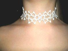 Collier de mariage en dentelle blanche, bijoux de mariee en dentelle : Collier par carmentatting