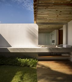 Gallery of Txai House / Studio MK27 - 3