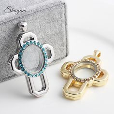 10pcs/lot Mix Colorful Colorful Rhinestone Crosses Locket Pendant Necklace Magnetic Glass Floating Charm Locket Free Chains
