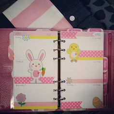 #ShareIG This week in my finsbury. #filofax #finsbury #filofaxaddict #filofaxlove #easter #april #pink #polkadots #yellow #bunny #chick #spring