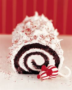 This festive yule log is made from a red-velvet cake filled with fluffy peppermint frosting. This festive yule log is made from a red-velvet cake filled with fluffy peppermint frosting. Holiday Cakes, Christmas Desserts, Christmas Treats, Christmas Baking, Christmas Cakes, Christmas Stuff, Christmas Decorations, Chocolate Yule Log Recipe, Chocolate Log