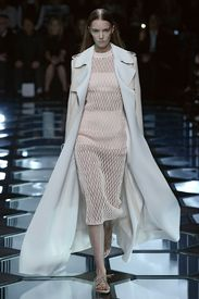 Paris Fashion Week: Balenciaga Spring/Summer 2015 - via MyDaily
