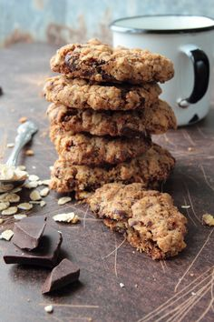 Increase your milk supply with these Homemade Peanut Butter Chocolate Chip Lactation Cookies that are so delicious anyone can eat them! Banana Oatmeal Cookies, Oatmeal Cookie Recipes, Chocolate Chip Oatmeal, Easy Cookie Recipes, Chocolate Peanut Butter, Oat Cookies, Baked Oatmeal, Dessert Recipes, Lactation Cookies