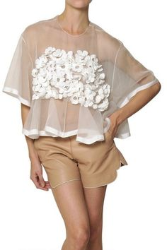 Freeform Crochet + Organza {Chloé White Silk Crochet Flower On Silk Organza Top}  dsiseños