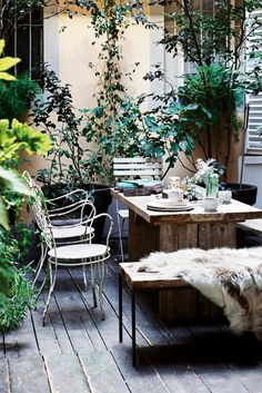 outdoor dining | photo Fabrizio Cicconi