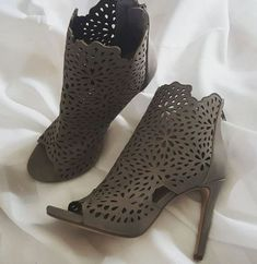 Shoe Collection, Heels, Boots, Fashion, Heel, Shearling Boots, Moda, Fashion Styles, Shoes Heels