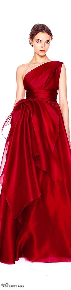 Marchesa is a brand specializing in high end womenswear. Shop statement Couture and Bridal pieces today & get off your first order. Beautiful Gowns, Beautiful Outfits, Beautiful Life, Traje Black Tie, Mode Glamour, Red Gowns, Red Fashion, Mode Inspiration, Dream Dress