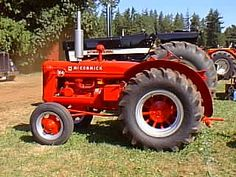 International Harvester / Farmall Tractor -  IH W4