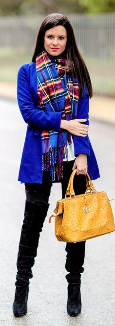 Bufanda tartan Crimenes de la Moda - Tartan Scarf - FrontRowShop - abrigo azul Sheinside blue coat - bolso amarillo Bimba y Lola bag - reloj Michael Kors wtach - pantalones vaqueros American Eagle jeans - botas mosqueteras Gloria Ortiz ankle boots