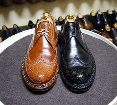 Heinrich Dinkelacker  色と素材違いのBudaコードバンにはニュートラルのアーティストパレットを使いました あまり話題になりませんがカーフもとてもいいです #heinrichdinkelacker #cordovan #shoes #mensshoes #shoecare #ハインリッヒディンケラッカー #ハインリッヒディンケルアッカー #コードバン #紳士靴 #革靴 #靴磨き #シューケア