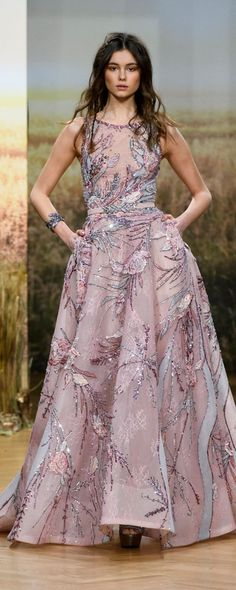 Ziad Nakad Spring 2018 Couture Fashion Show - The Impression Trendy Dresses, Nice Dresses, Formal Dresses, Prom Dresses, Style Couture, Haute Couture Fashion, Spring Couture, Beautiful Gowns, Beautiful Outfits