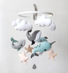 Filz Baby mobile Wal, Narwal, Delphin mobile Seewale mobile nautische Kinderzimmer Dekor Felt baby m Whale Nursery, Ocean Nursery, Nautical Nursery Decor, Baby Decor, Nautical Mobile, Nursery Ideas, Whale Mobile, Fish Mobile, Mobile Mobile