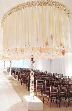 Aisle Statements For A Romantic White Wedding | Inspirations