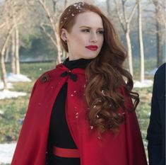 Madelaine Petsch is best known for her role as Cheryl Blossom on Riverdale who, IMO, is the baddest bitch on that show 'cause girl is crazy AF (but, like, in a good way? Madelaine Petsch, Cheryl Blossom Riverdale, Riverdale Cheryl, Riverdale Quiz, Riverdale Cast, Cheryl Blossom Aesthetic, Camila Mendes Riverdale, Riverdale Characters, Peinados Pin Up