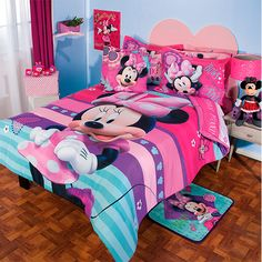 Minnie Mouse bedding!