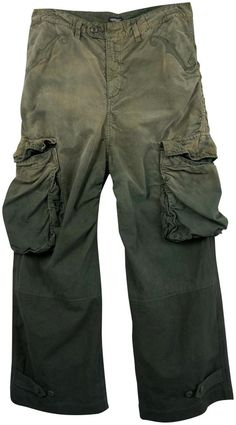Military / cargo pant style - Ombre green - Scroll detail at pockets - Big oversized pockets at leg - Pockets at back w/ button closures - Designer - Undercover by Jun Takahashi - Cotton material - Made in Japan Jun Takahashi, Dystopian Fashion, Military Pants, Tailored Coat, Tokyo Fashion, Undercover, Cargo Pants, Fashion Pants, Ombre Green