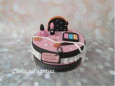 Make up Cake by Carla Del Sasso