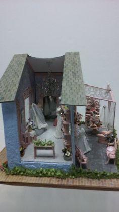 Dollhouse miniature DIY laser cut Quarter scale poinsettia flowers