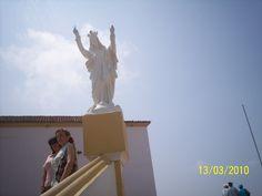 Virgen de la Candelaria, en el extremo superior de la escalinata que lleva a la Iglesia.