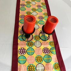 This beautifully vibrant table runners will make any space feel alive! All the colors and designs are sure to bring a little bit of Africa to any space. Excellent choice for table decor for an African theme party.Description:Print part made w.