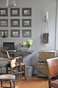 "Farrow & Ball ""Lamp Room Gray"" in a room by Giannetti Home. Gray Interior, Home Interior, Modern Interior, Farrow And Ball Lamp Room Grey, My Living Room, Living Spaces, Modern Country Style, Grey Room, Piece A Vivre"