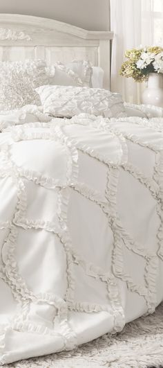 Avon Comforter Set