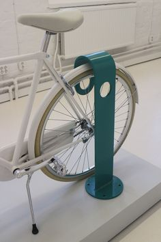 Hook bike stand by Note Design Studio (Stockholm) Bycicle Vintage, Bycicle Art Urban Furniture, Street Furniture, Cheap Furniture, Furniture Nyc, Furniture Stores, Bicycle Safety, Bicycle Rack, Pimp Your Bike, Furniture Disposal
