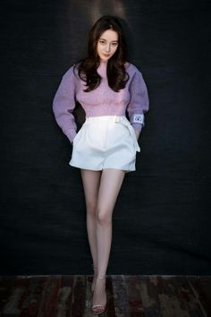 Beautiful Girl like Fashition Korean Girl Photo, Korean Girl Fashion, Hottest Female Celebrities, Asia Girl, Chinese Actress, Beautiful Asian Girls, Skirt Fashion, Asian Woman, Girl Photos