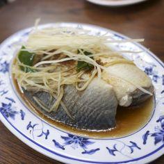 紅燒台灣虱目魚肚讚。 Stewed Milkfish