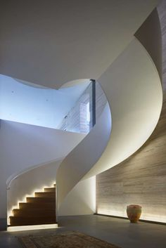 Architect: ID: Studio Terre Lighting Design: Light Collab – staircase Staircase Handrail, Curved Staircase, Stair Railing, Staircase Design, Railings, Staircases, Small Space Interior Design, Home Interior Design, Architecture Details