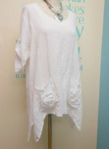 LAGENLOOK WHITE LINEN & COTTON BLEND TUNIC TOP WITH APPLIQUED ROSES FITS 12-16