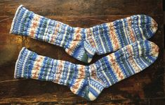 palmikkokoristeiset sukat Villa, Socks, Diy, Fashion, Moda, Bricolage, Fashion Styles, Sock, Diys