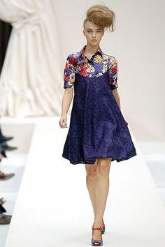 Moschino Spring 2008 Ready-to-Wear Fashion Show - Marcelina Sowa