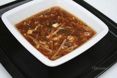 V celej Ázii je nespočetné množstvo receptov na túto známu polievku. Polievka je sýta a má špecifickú chuť. Raz za čas sa urobiť si jedlo s takýmto ázijským nádychom oplatí :) Soup Recipes, Chili, Ale, Food, Chile, Ale Beer, Essen, Meals, Chilis