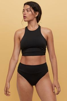 Fully lined, waist-high bikini bottoms in fast-drying, functional fabric with medium coverage at back. Vintage Bikini, Vintage Swimsuits, Black High Waisted Swimsuit, Cute High Waisted Bikinis, High Bikini Bottoms, Slimming Bikinis, Chest Workout Women, Bathing Suits For Teens, Blue One Piece Swimsuit