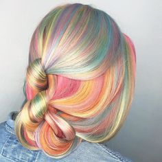 15 beautiful pastel hair colors to discover this year Discover a beautiful series of color for medium and long hair. do you enjoy Bright Hair, Coloured Hair, Unicorn Hair, Cool Hair Color, Hair Colors, Grunge Hair, Mermaid Hair, Dream Hair, Crazy Hair