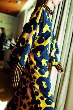Marimekko Spring/Summer 2017 collection at Paris Fashion week 1960s Fashion, Fashion 2017, Paris Fashion, Nordic Fashion, Fashion Outfits, Marimekko Dress, Marimekko Fabric, Ss 2017, Fashion Project