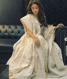 sajal-aly 24 Ways to Wear All White Outfits Like Pakistani Celebrities Pakistani Outfits, Indian Outfits, White Anarkali, White Kurta, Anarkali Suits, Eastern Dresses, Desi Wear, Desi Clothes, Indian Clothes