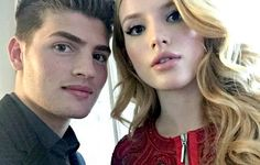 Bella Thorne Has a Look of Love in Crocs as She Gushes About Rumored Boyfriend Gregg Sulkin Disney Channel Stars, Disney Stars, Bella Thorne Instagram, Famous In Love, Loose Ponytail, Fotos Goals, Ross Lynch, Greggs, Zendaya