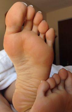 Chipped polish foot fetish toe lick
