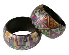 Ithemba bangles bracelets Bracelets réalisés à la main en Colombie à partir de résine Mopa-Mopa, une technique ancestrale précolombienne. #handmade #ithembadesignethik #Colombia