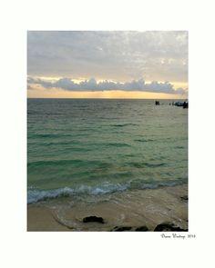 Amanecer en Playa Tortugas, Cancún, Q.R., México.  Subtle Worlds  by Diana Westrup. http://dianawestrup.wordpress.com
