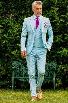 Sky blue shabby-chic groom suit #wedding #tuxedo #hipster #alternative #wedding #luxury #menswear #menstyle #dapper #madeinitaly